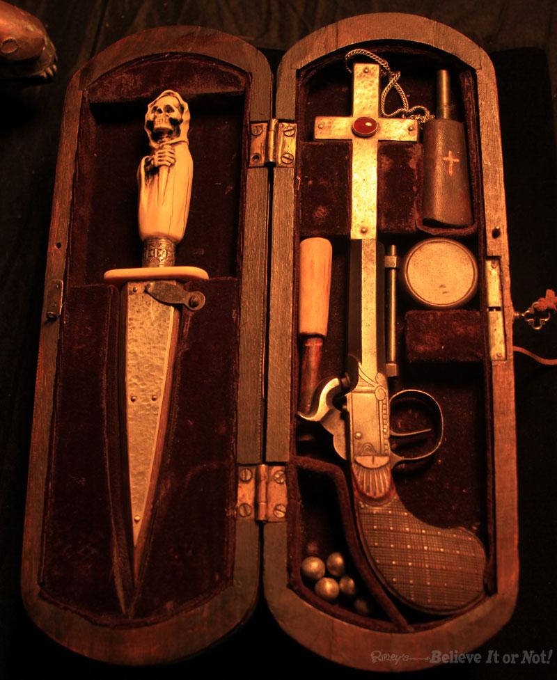 Vampire Killing Kit With Pistol Package