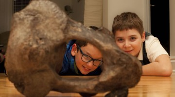 kids with mastodon bone