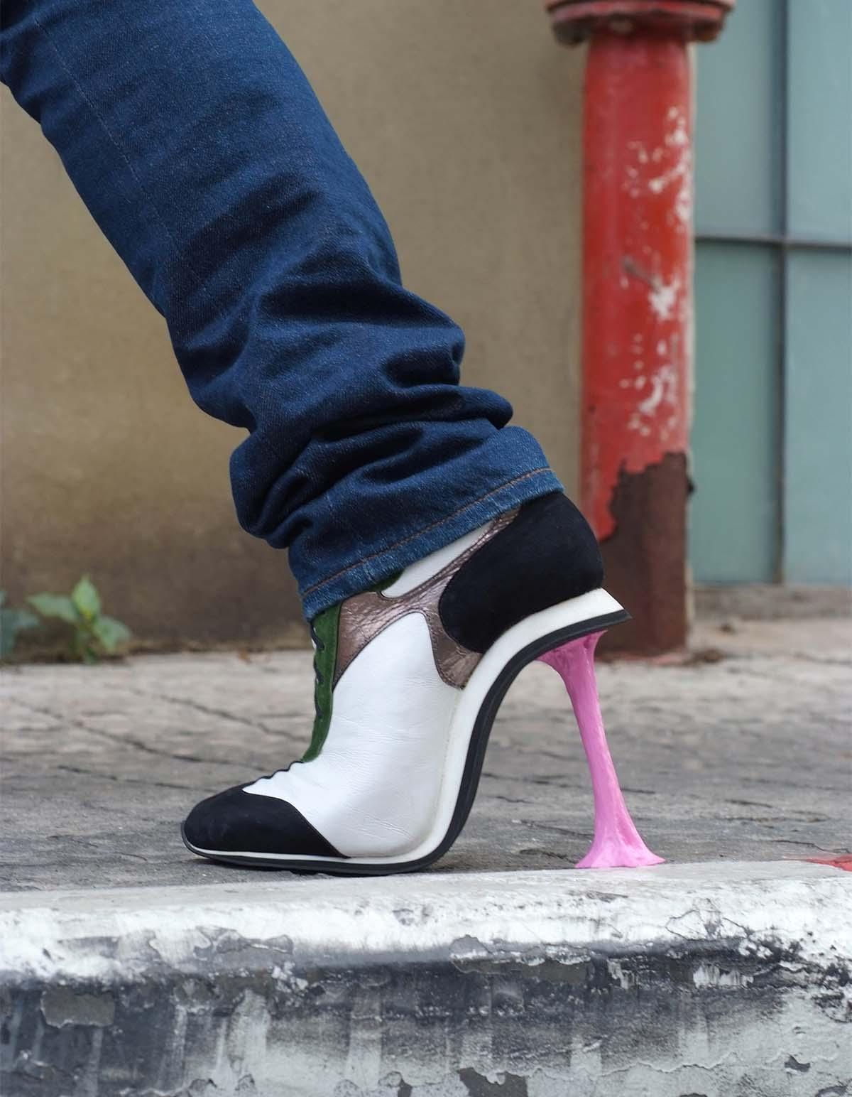 Kobi Levi Chewing gum sidewalk