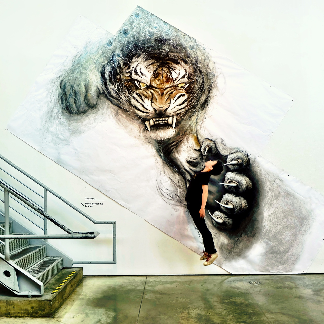Fiona tang 39 s art pushes into reality ripley bion blog for Animal wall mural