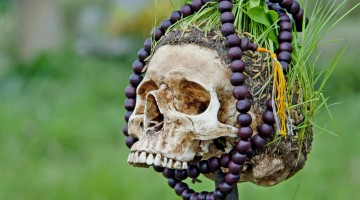 skull with beads