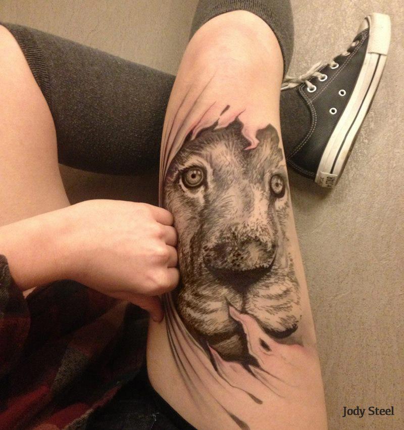 Jody Steel's pen tattoos often look like she's pulling away her own skin!
