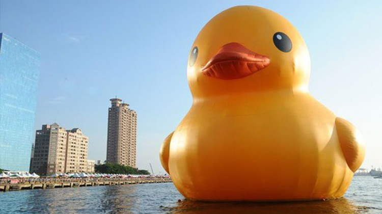 Giant-Rubber-Ducky