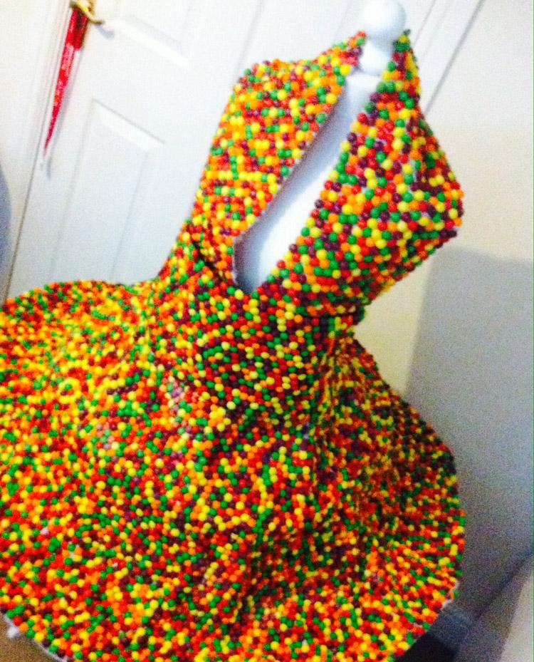 Skittles-Dress-Sarah-Bryan-Ripleys-BelieveItOrNot-Online_42-blogimg