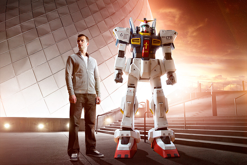 Paper Gundam with Creator