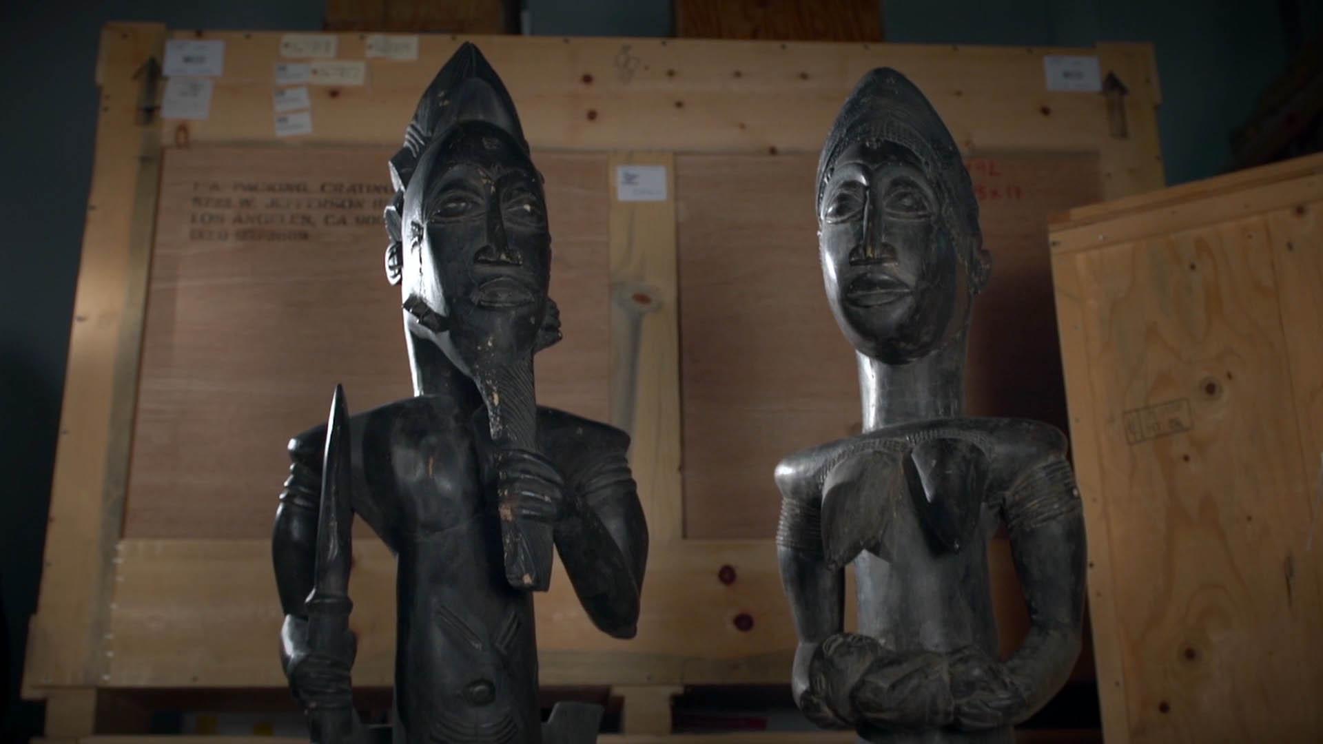 2 fertility statues