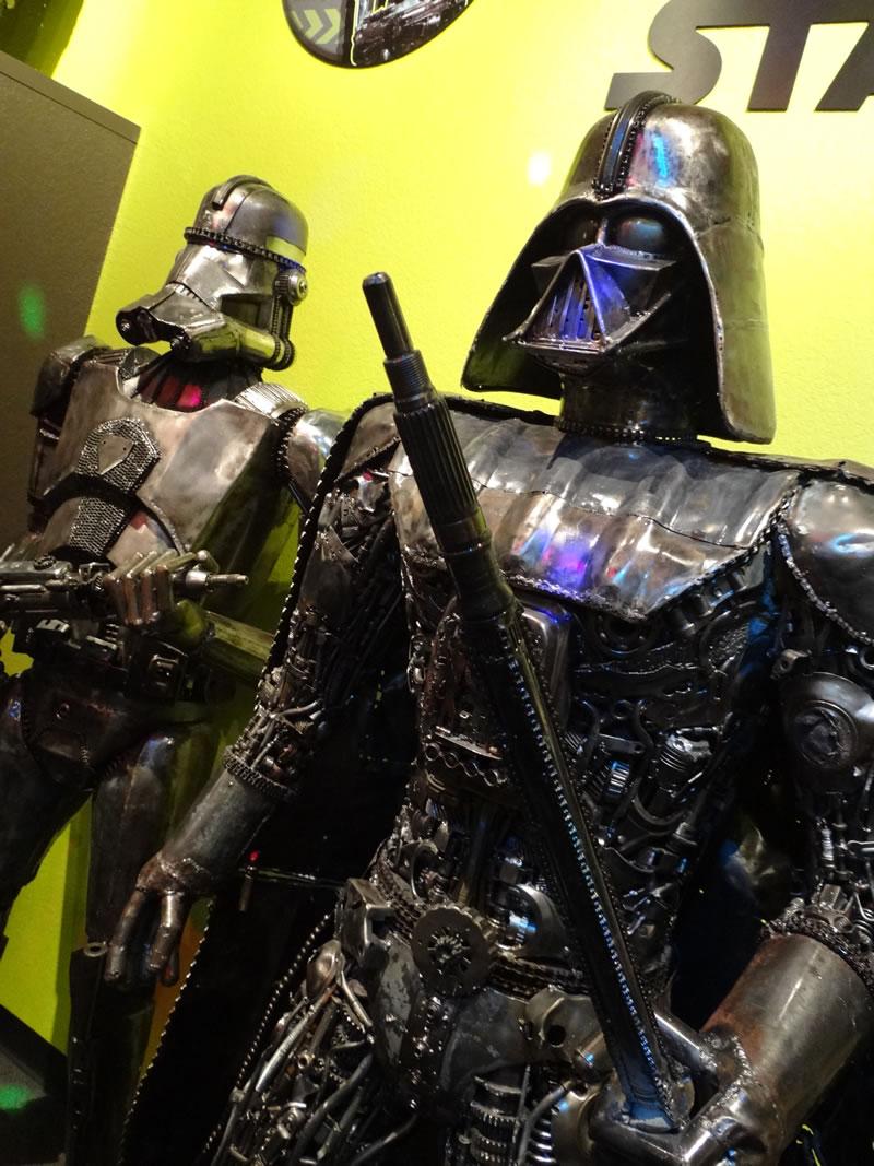 ripleys-star-wars-scrap-metal-sculptures-1