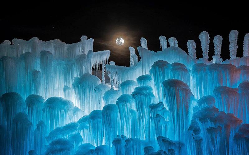 Castelos de gelo gigantes para você jogar de uma empresa sediada em Utah