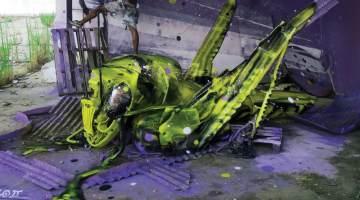 Bordalo II grasshopper trash art
