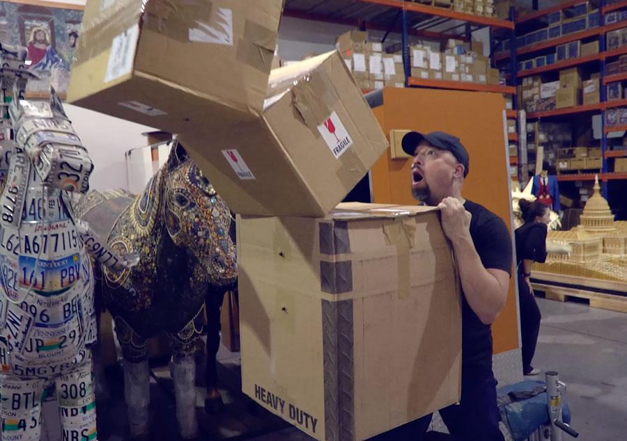 mannequin-challenge-boxes