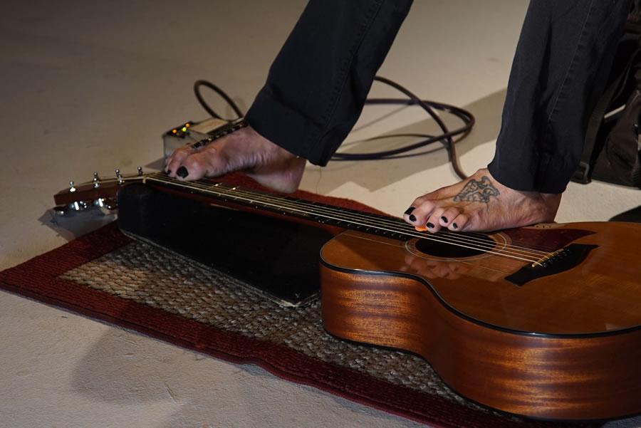 Mark Goffeney, Armless Guitarist