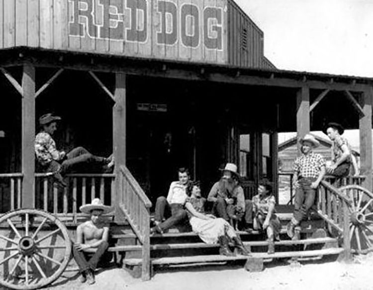 Red Dog inn in Pioneertown