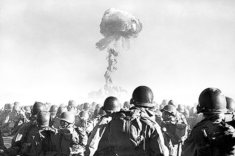 soldiers viewing nuclear test