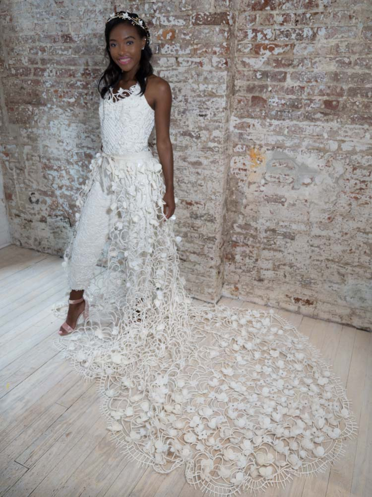 Toilet paper wedding dress from 2017.