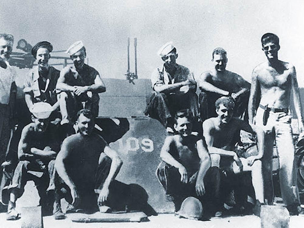 pt 109 crew