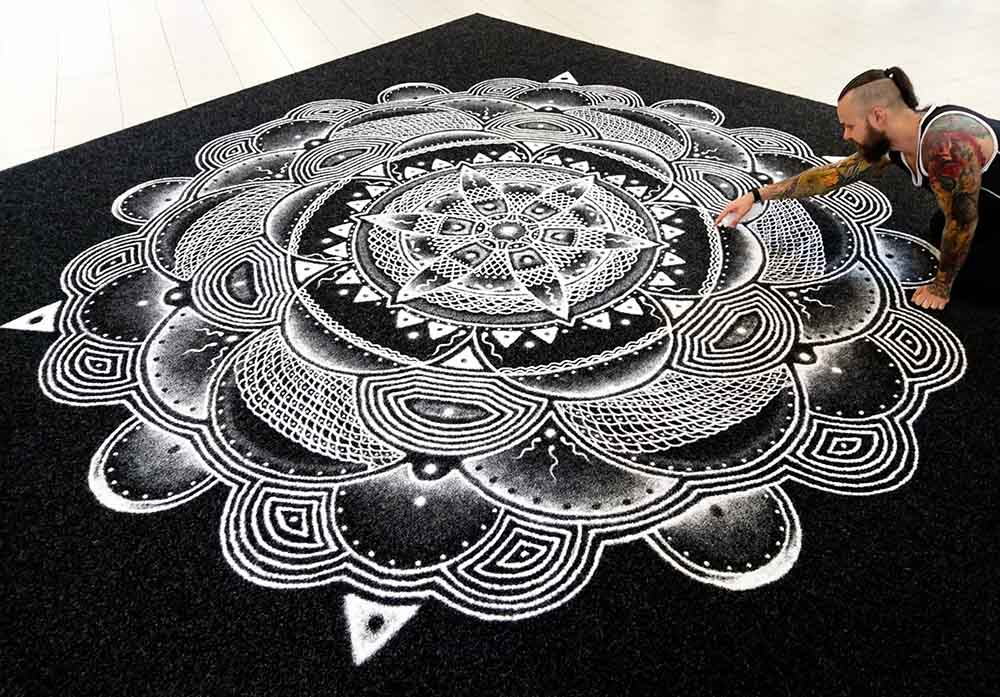 salt art mandala