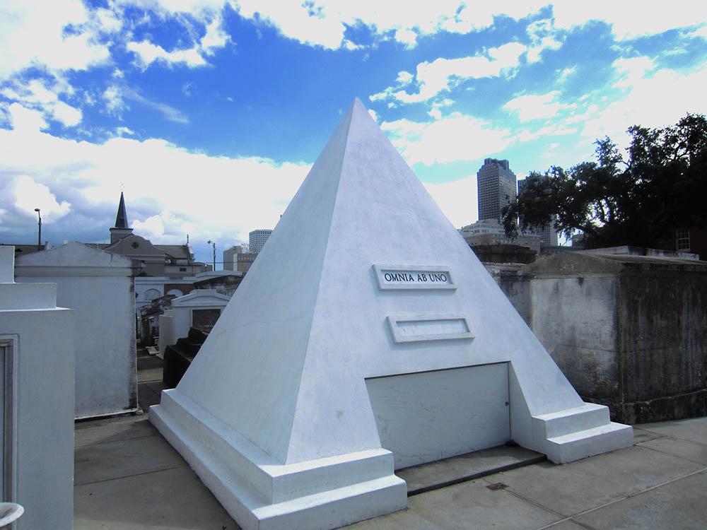 nic cage pyramid