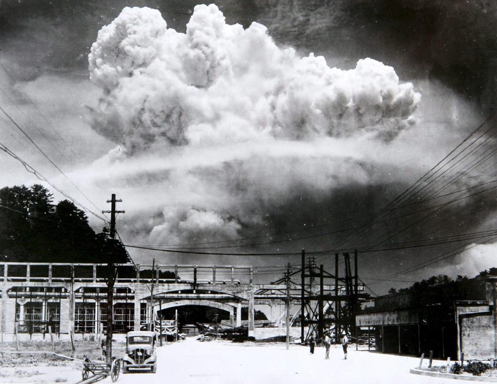 mushroom cloud over nagasaki