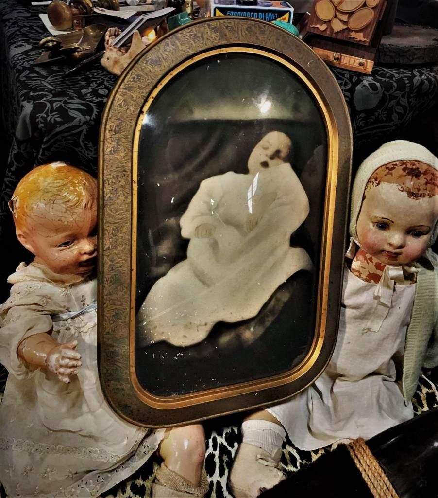 Oddities market post-mortem baby