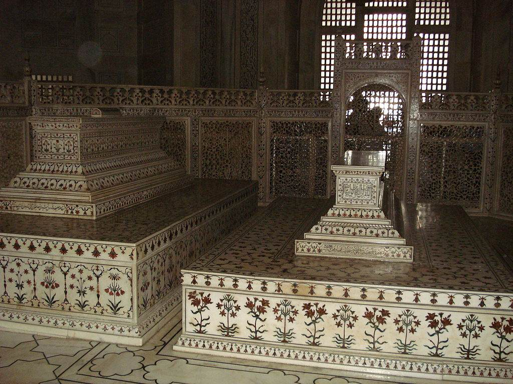 taj mahal tombs