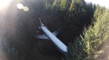 airplane bruce