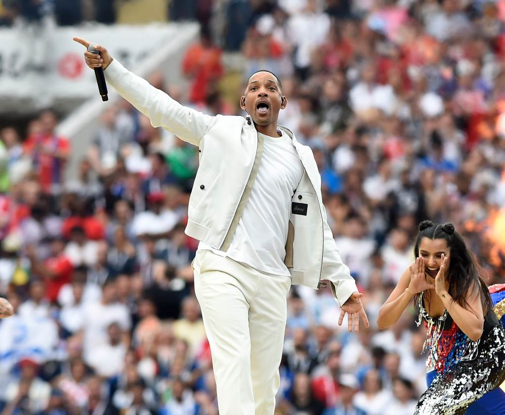 Will Smith performing