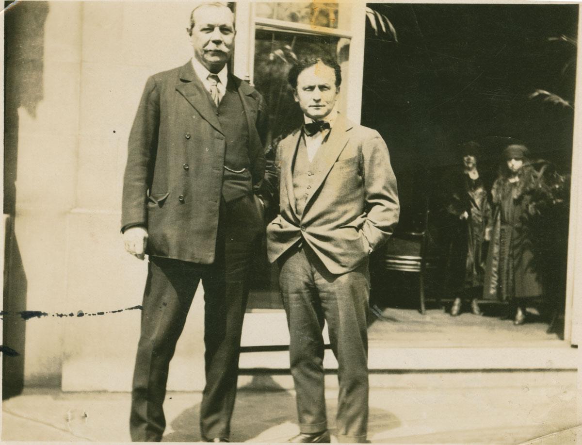 Harry Houdini & Sir Arthur Conan Doyle