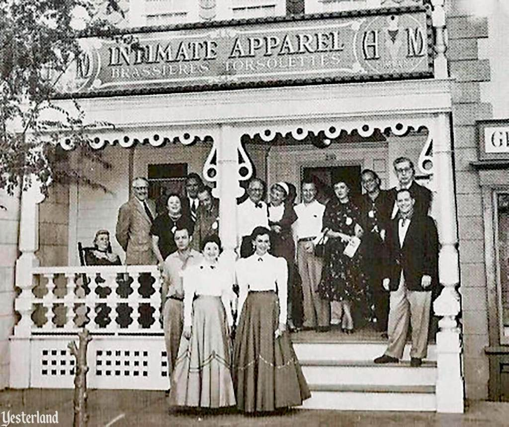Hollywood-Maxwell's Intimate Apparel Shop
